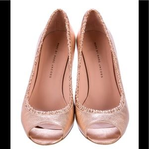 Marc by M.J. Rose gold metallic leather pimps